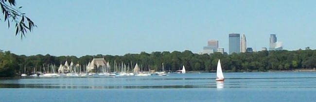 Lake-Harriet-Minneapolis-skyline.jpg
